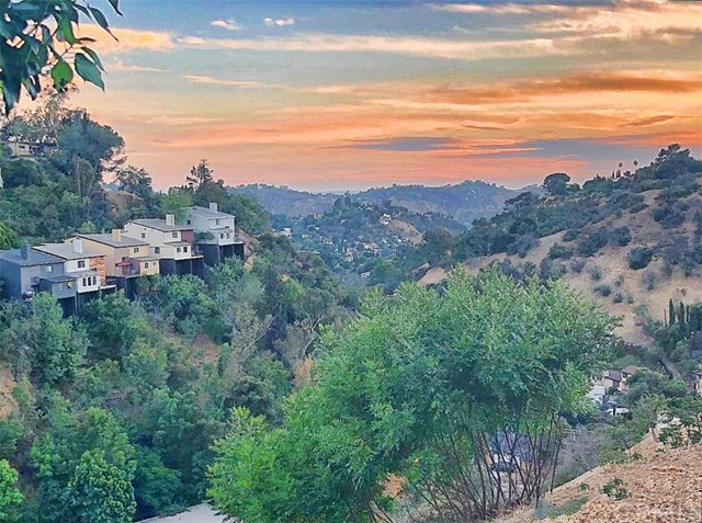 811 Oneonta Drive Los Angeles, CA 90065 - MLS #: RS18161850