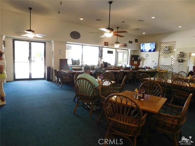 73450 Country Club Drive, Palm Desert CA: http://media.crmls.org/medias/d73a6392-afd5-4cb9-b3fb-0379ba2c243e.jpg