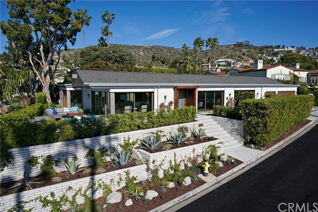 Single Family Home for Sale at 2480 Monaco Drive Laguna Beach, California 92651 United States