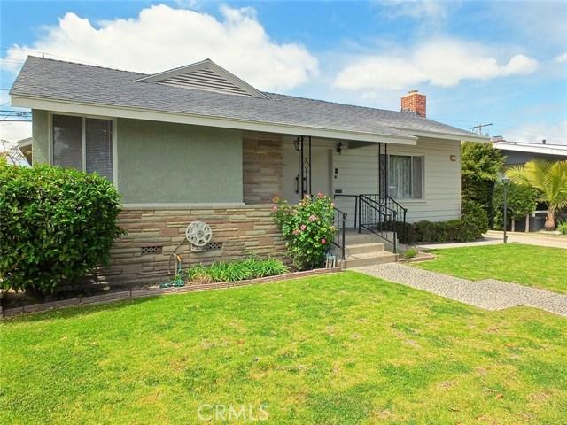 Single Family Home for Sale at 2241 Vuelta Grande Avenue Long Beach, California 90815 United States