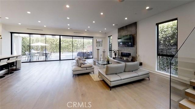 607 N Curson Avenue, Los Angeles CA: http://media.crmls.org/medias/d746ae64-229a-48bf-ac63-4018a530a0d4.jpg
