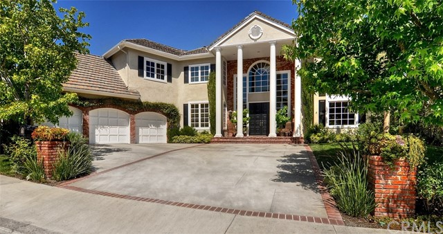 8 Hillsborough Newport Beach, CA 92660 is listed for sale as MLS Listing LG18113125