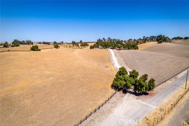 6260 Independence Ranch Lane, San Miguel CA: http://media.crmls.org/medias/d75abe44-548f-467c-aa86-dd1237a5aa01.jpg