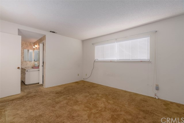 7533 Leucite Avenue, Rancho Cucamonga CA: http://media.crmls.org/medias/d768e818-599e-4a9b-b753-6bc3a4eed0d8.jpg