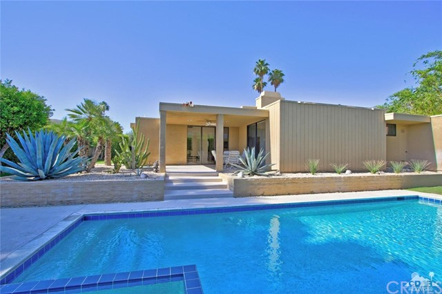1350 Marion Way, Palm Springs CA: http://media.crmls.org/medias/d772be4e-0c8c-4ddd-83dc-3cd1b4d0a2fd.jpg