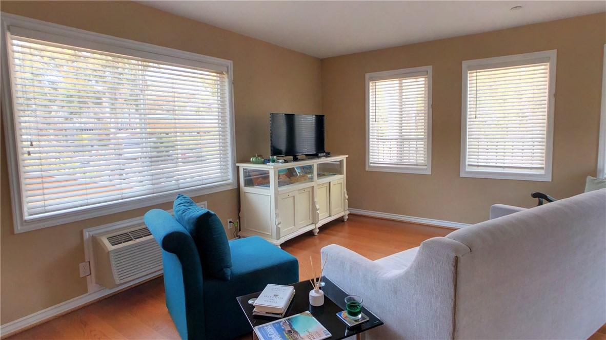 212 Catalina Avenue, Avalon CA: http://media.crmls.org/medias/d7756100-f354-45e3-9fac-92bee354eef1.jpg