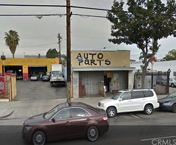 Retail for Sale at 1421 W Adams Boulevard 1421 W Adams Boulevard Los Angeles, California 90007 United States