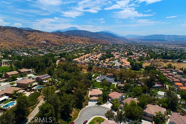 7111 Winterwood Lane, Highland CA: http://media.crmls.org/medias/d78898fe-b27f-42c1-8021-c3988c444d06.jpg