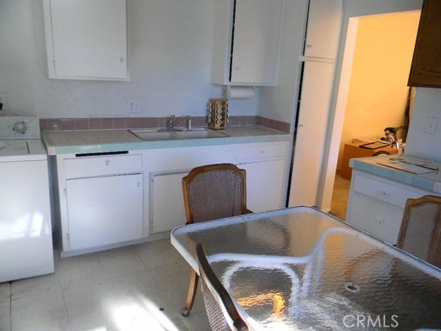 7771 Newman Avenue, Huntington Beach CA: http://media.crmls.org/medias/d78d165b-7830-459c-983e-553ef2c8d27a.jpg