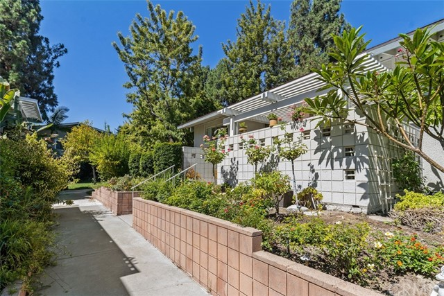 342 Avenida Sevilla, Laguna Woods CA: http://media.crmls.org/medias/d7959e36-b615-414b-8069-555fdddf7f20.jpg
