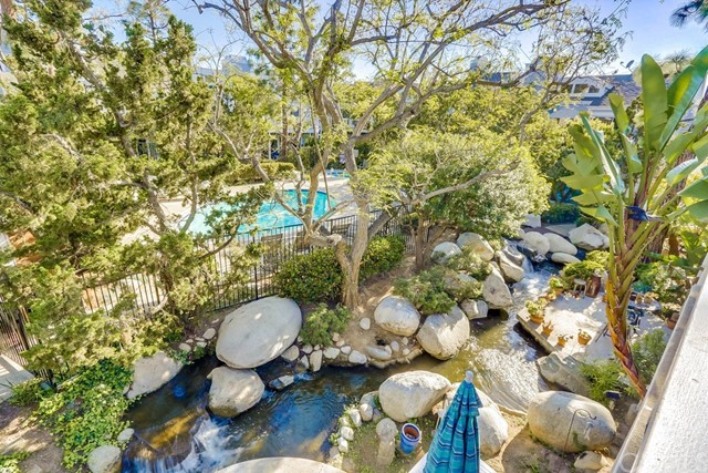 751 Schenley Bay, Costa Mesa CA: http://media.crmls.org/medias/d79dcb38-1e06-444f-ba87-fe9440089259.jpg