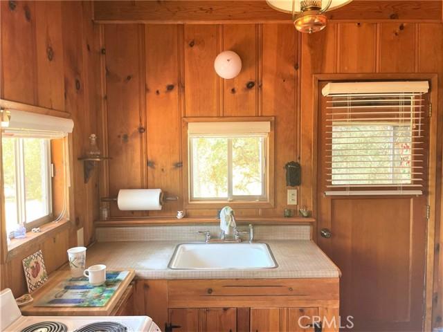 7330 Westlake Road, Upper Lake CA: http://media.crmls.org/medias/d7a18ab6-0680-48f6-a5af-b224ec5d063e.jpg