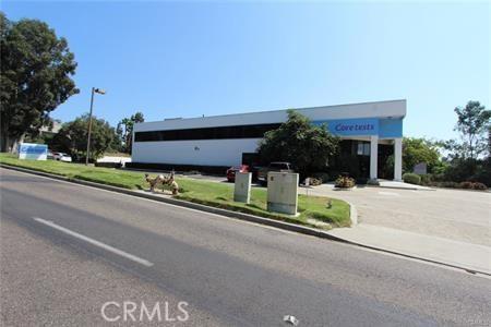 独户住宅 为 销售 在 6190 Yarrow Drive 卡尔斯巴德, 加利福尼亚州 92011 美国