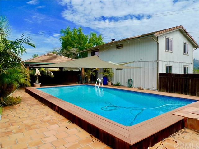 Single Family Home for Sale at 1810 N Twin Oaks Valley Road 1810 N Twin Oaks Valley Road San Marcos, California 92069 United States