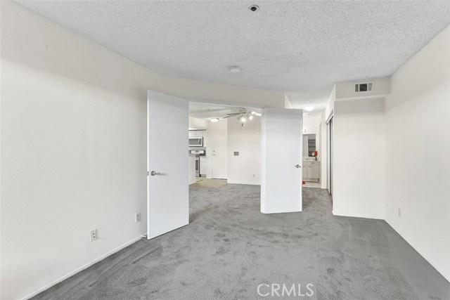 35 Linden Avenue Unit 404 Long Beach, CA 90802 - MLS #: PW18267768