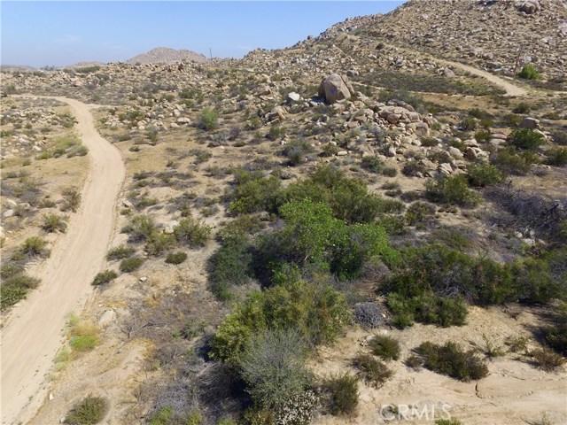 Additional photo for property listing at 17 El Toro  Lake Elsinore, California 92530 Estados Unidos