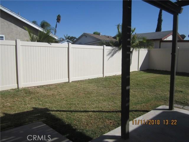 11212 Greenhurst Drive, Riverside CA: http://media.crmls.org/medias/d7ccff7d-b594-46bb-be40-f7b56f2c79cd.jpg