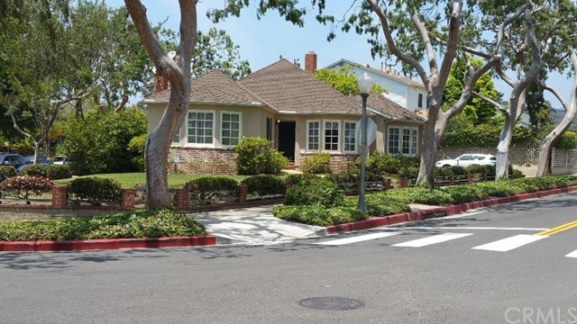 Single Family Home for Sale at 333 South Bundy St 333 Bundy Brentwood, California 90049 United States