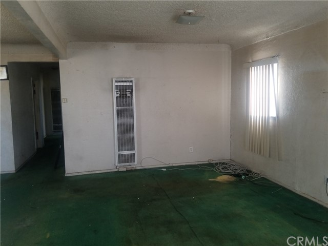 8704 Beach St, Los Angeles, CA 90002 Photo 3