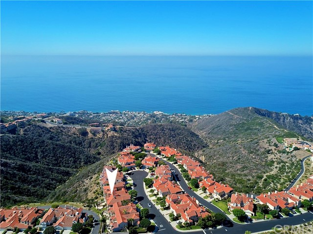 8 Nice, Laguna Niguel CA: http://media.crmls.org/medias/d7e374e2-993b-40ec-b181-c774d59f4550.jpg