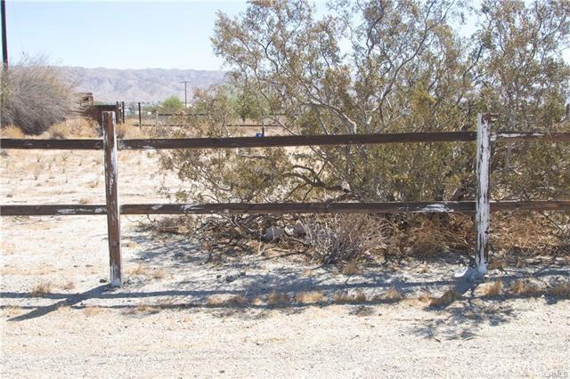 5 Kay Road, Desert Hot Springs CA: http://media.crmls.org/medias/d7e64e0a-86bc-4d6d-b828-32ac9ebb54ae.jpg
