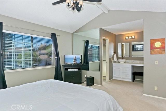 579 Canyon Hill Road, San Dimas CA: http://media.crmls.org/medias/d7e6d8a1-0a35-4b67-8a1d-884b872e4de1.jpg
