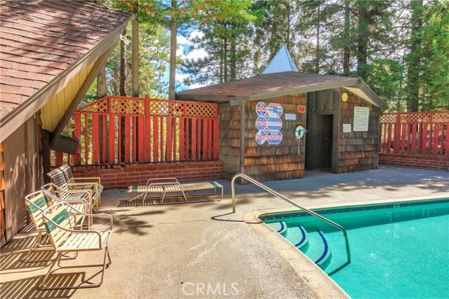 872 Sierra Vista Drive, Twin Peaks CA: http://media.crmls.org/medias/d816097c-6b6f-4a20-87c2-f01b5d95c809.jpg