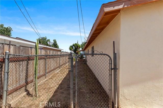 2504 Vasquez Place, Riverside CA: http://media.crmls.org/medias/d83e74be-2cee-45ce-9487-2514709693c6.jpg