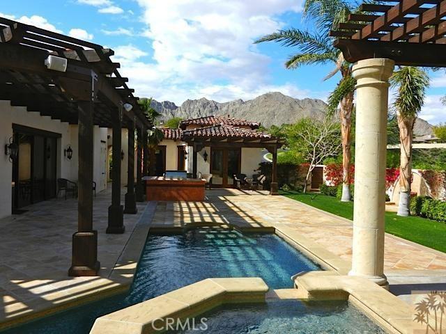 79281 Tom Fazio Lane, La Quinta CA: http://media.crmls.org/medias/d83e9e81-59b1-435e-a05a-4c298d3ded5d.jpg