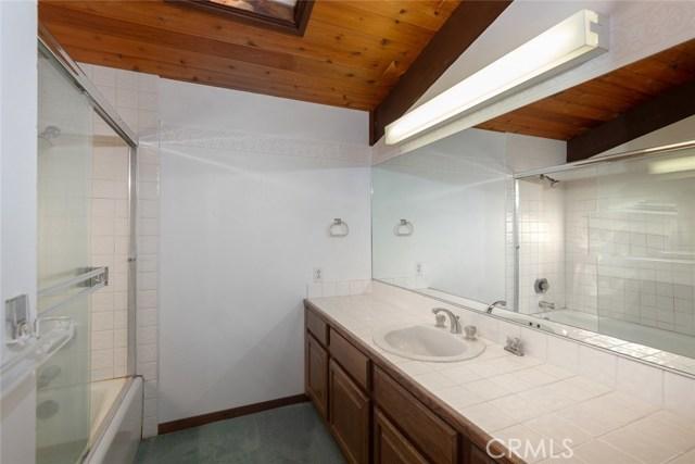 4040 Amelia Drive, Mariposa CA: http://media.crmls.org/medias/d850388f-e5fc-4dd1-96db-fb088f480aff.jpg
