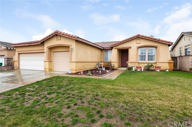 1167 Woodburn Circle, Beaumont CA: http://media.crmls.org/medias/d8523203-7b72-4045-bb17-d75f66966084.jpg