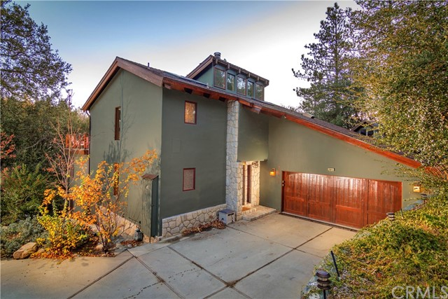 28646 Brigadoon Court, Lake Arrowhead, CA 92352