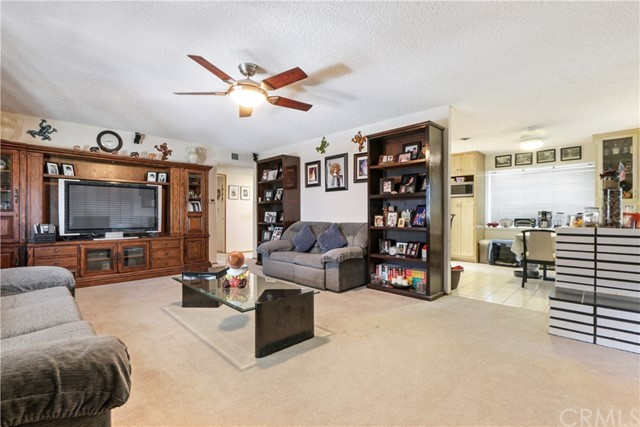 10222 Jennrich Avenue, Garden Grove CA: http://media.crmls.org/medias/d8706041-61ae-43b2-9b8a-30698e59f558.jpg