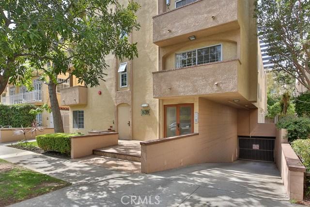 1639 Camden Avenue, Los Angeles CA: http://media.crmls.org/medias/d878efdb-6998-4b63-820f-090674b4056c.jpg
