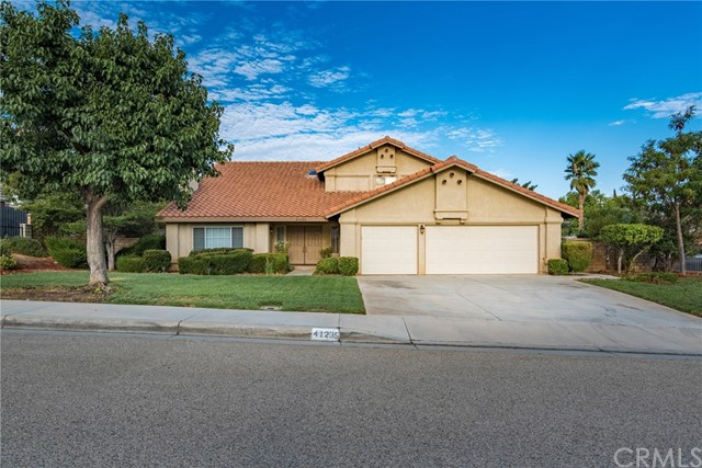 41235 Chestnut Street Palmdale, CA 93551 is listed for sale as MLS Listing CV17207970