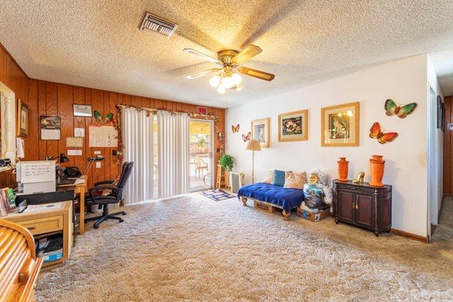 56851 Mountain View, Yucca Valley CA: http://media.crmls.org/medias/d886b69c-792d-4a04-ae3b-7a029386b594.jpg