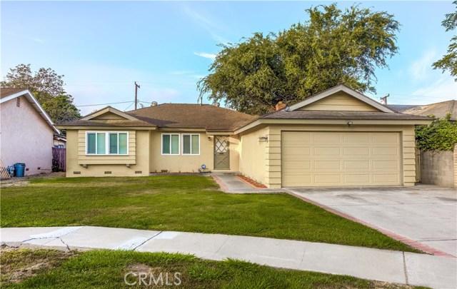 918 Virginia Avenue, Santa Ana CA: http://media.crmls.org/medias/d897b902-6498-4444-89dc-83a471444f4d.jpg