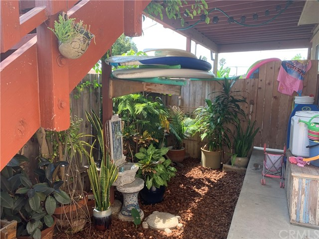 332 Poplar Street, Laguna Beach CA: http://media.crmls.org/medias/d8af66e2-5a42-456d-b2fa-2ce060fc2953.jpg