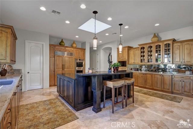 15 Villaggio Place, Rancho Mirage CA: http://media.crmls.org/medias/d8b5b595-cdd2-4d82-addf-e9de0a7d7638.jpg