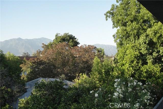 1026 La Cadena Avenue, Arcadia CA: http://media.crmls.org/medias/d8b952d9-2efc-498c-9564-19485643099e.jpg