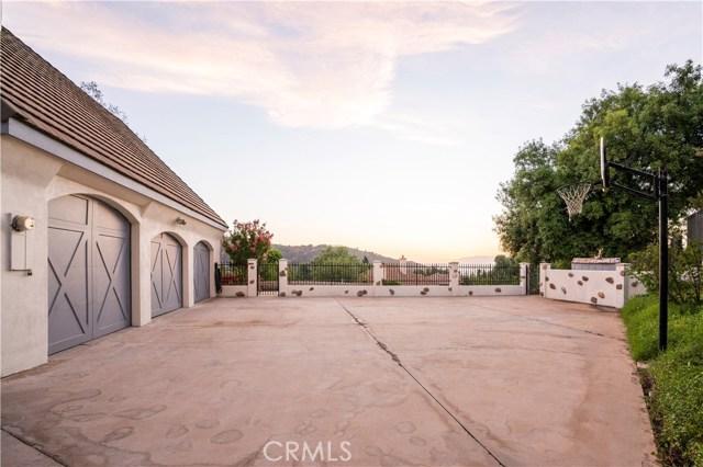 13532 Pineridge Court, Yucaipa CA: http://media.crmls.org/medias/d8bda677-dbca-4411-b7ec-9b5327115177.jpg