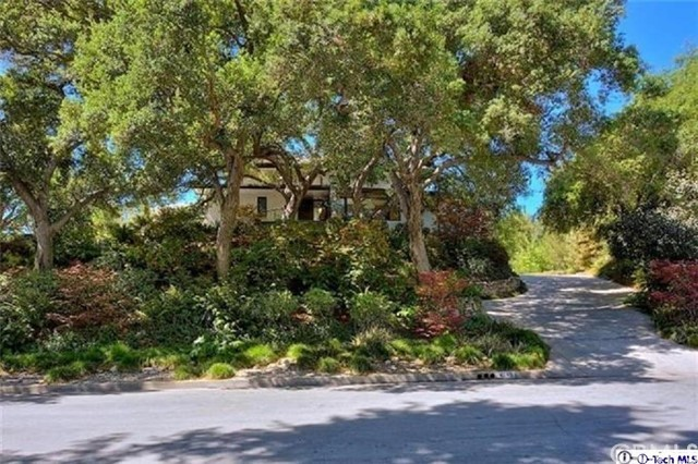 4245 Chula Senda Lane, La Canada Flintridge CA: http://media.crmls.org/medias/d8bfe3cc-768b-40a3-b757-cb31b203f940.jpg