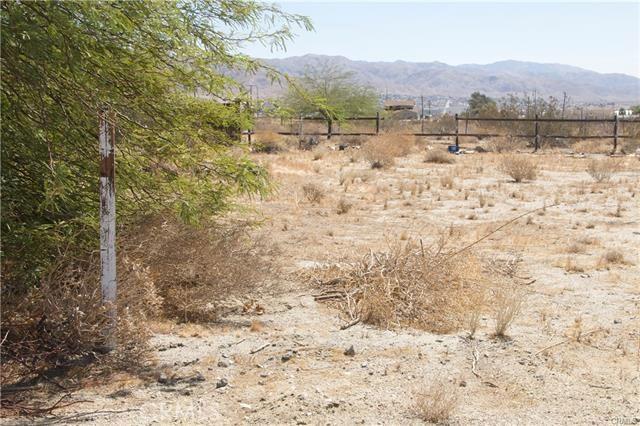 5 Kay Road, Desert Hot Springs CA: http://media.crmls.org/medias/d8c19b03-0f90-44f4-b4c4-3d14d0f121ad.jpg