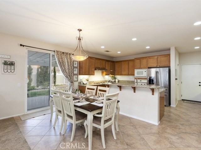 10169 Woodbridge Lane, Riverside CA: http://media.crmls.org/medias/d8cd4435-6879-4a6b-9990-cd0b55775c6b.jpg
