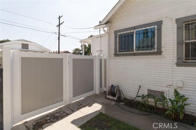 4810 6th Avenue, Los Angeles CA: http://media.crmls.org/medias/d8cdc4a0-f855-41fa-ad00-fb6ecccd6ea7.jpg