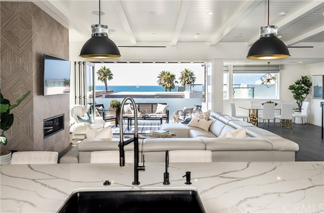 1121 Manhattan Ave, Hermosa Beach, CA 90254 photo 2