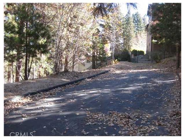 27443 N Bay Road, Lake Arrowhead CA: http://media.crmls.org/medias/d8e2075a-bb27-4b3e-86c7-e070a1e80fee.jpg