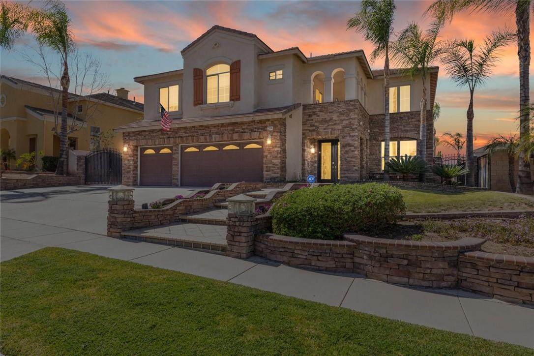 Photo of 3074 Pinehurst Drive, Corona, CA 92881
