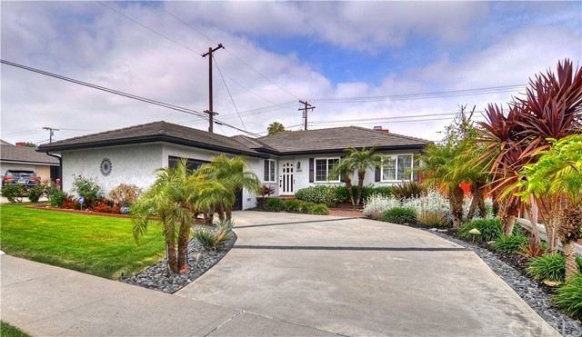 1541 N Greenbrier Rd, Long Beach, CA 90815 Photo