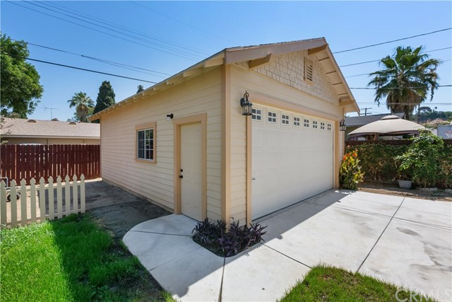3601 Linwood Place, Riverside CA: http://media.crmls.org/medias/d8ed8e85-7c55-4c4e-af52-dc137d654a57.jpg